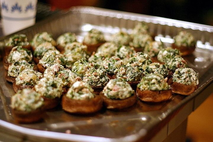 Roasted Mushrooms Stuffed with Feta, Spinach, and Bacon Recipe