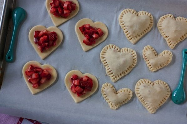 Heart-Shaped Mini Strawberry Pies - Perfect for Valentine's Day ...