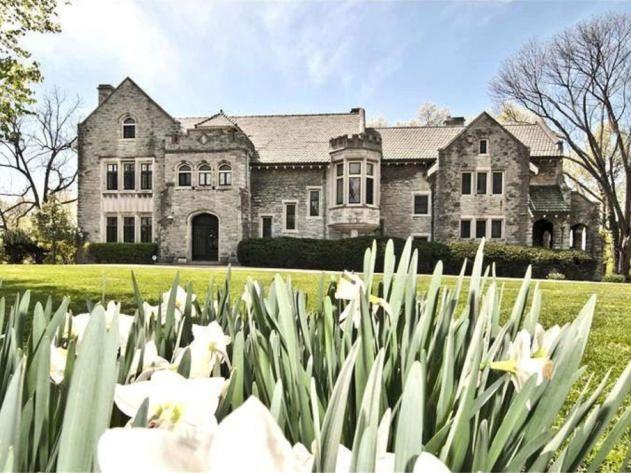 Home Exterior Historic Hyde Park Estate in Cincinnati