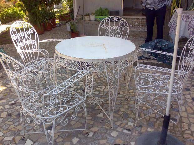 mesa jardim custojusto : mesa jardim custojusto:Mesa com cadeiras de jardim no Porto