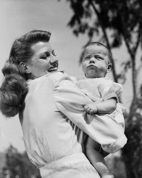 Rita Hayworth & da...