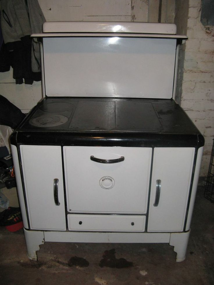 Vintage Wood Burning Cook Stove Great Condition
