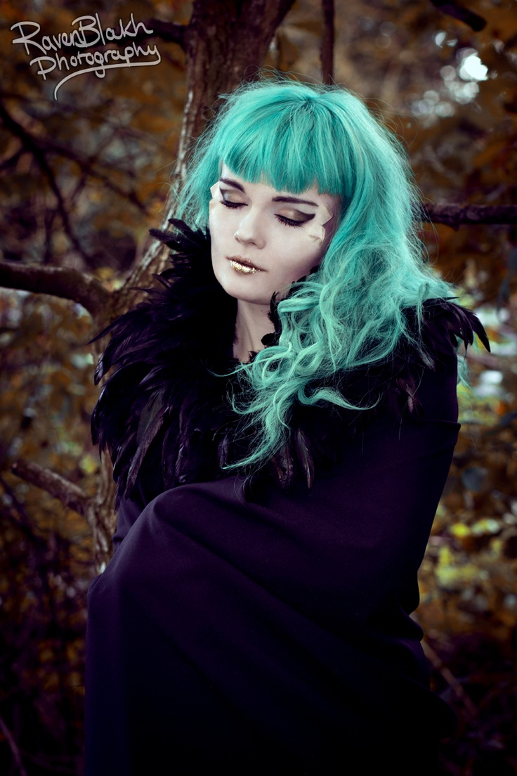 beautiful witch makeup for the hairs and da face