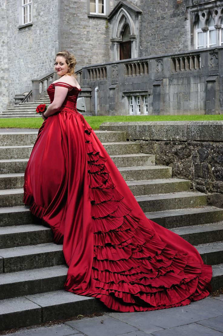 Old Fashioned Ball Gown Dresses Ireland Crest - Best Evening Gown ...
