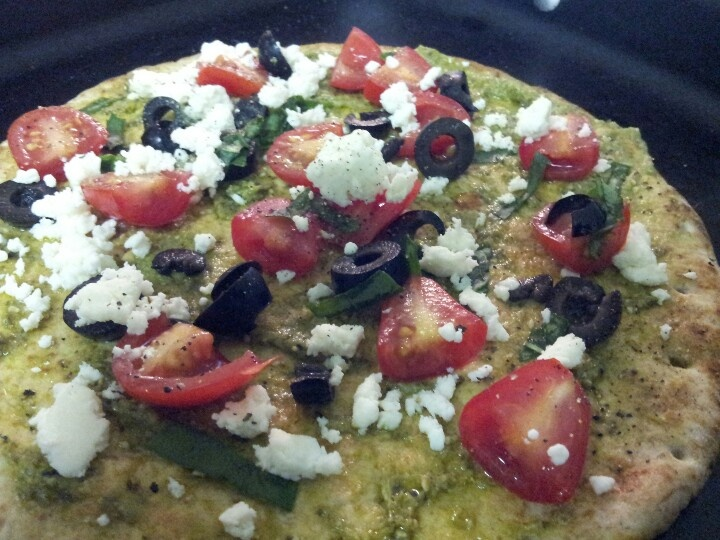 Healthy Tomato, Basil, Feta Flatbread Pizza (whole wheat flatbread ...
