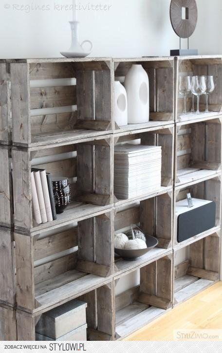 regal aus holzkisten. Black Bedroom Furniture Sets. Home Design Ideas