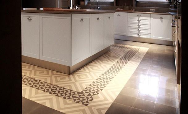 Cementtegels Keuken : Keuken! Prachtige cementtegels rond keukenblok Door Manon-Clement
