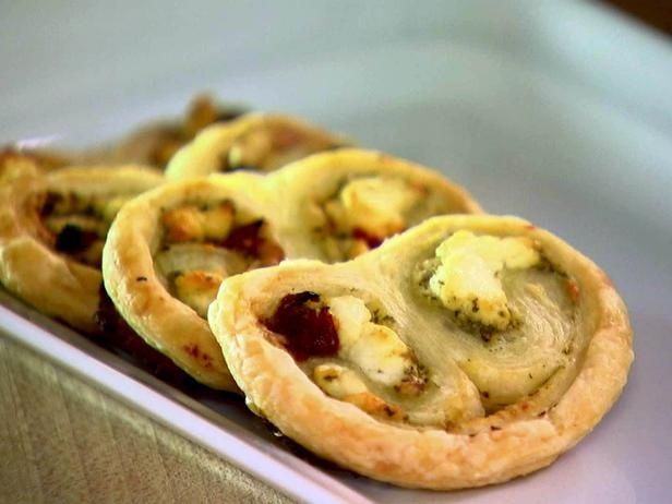Savory Palmiers with pesto, goat cheese & sun dried tomatoes http ...