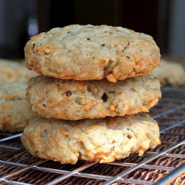Savoury Oatmeal Cookies | Savoury cookies | Pinterest