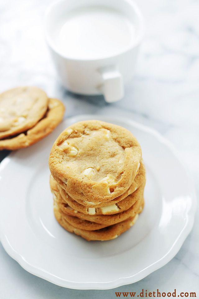Chunk Cookies | www.diethood.com | These White Chocolate Chunk Cookies ...