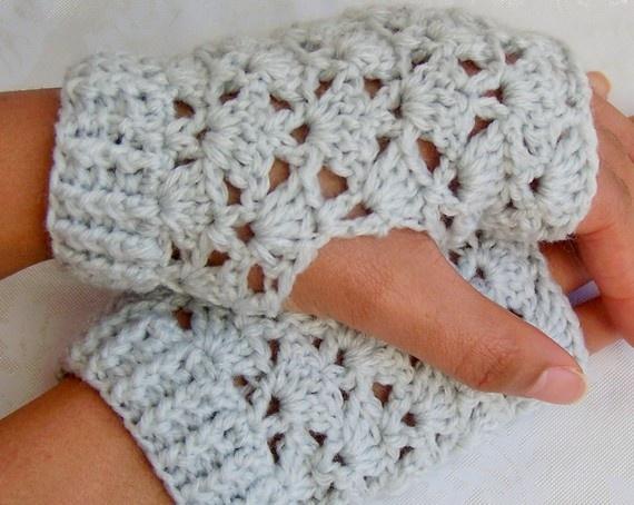 Crochet lace fingerless gloves