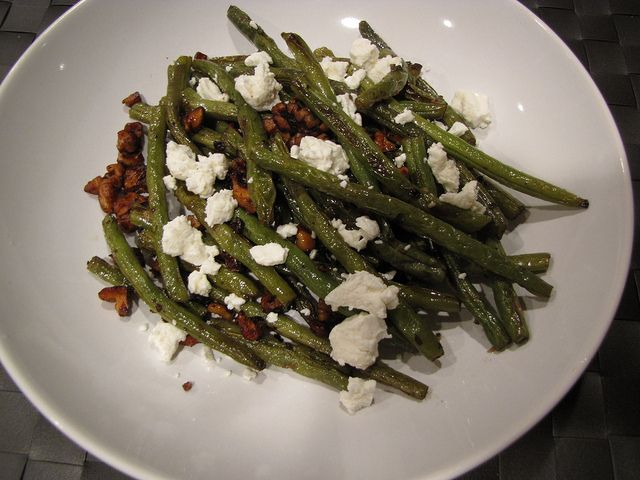 Roasted Green Beans with Walnuts & Goat Cheese - spectacular and easy ...
