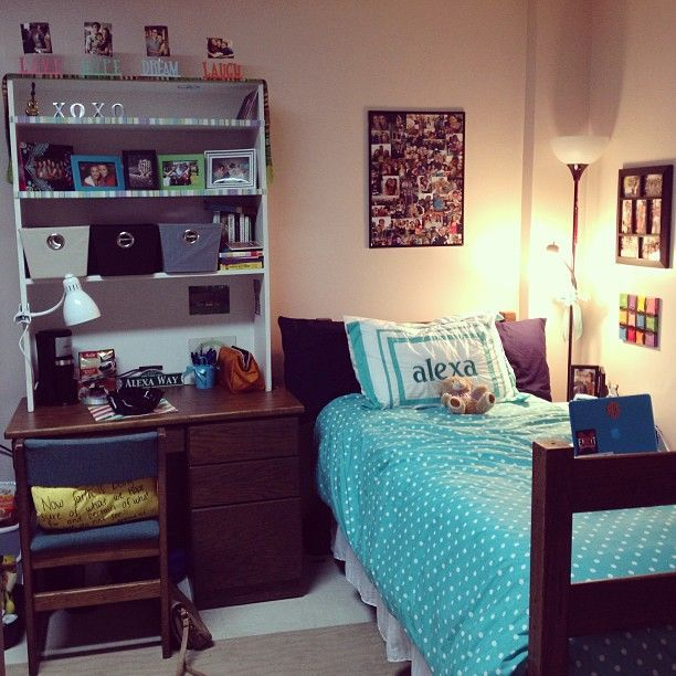 love the shelves on top of the desk college pinterest. Black Bedroom Furniture Sets. Home Design Ideas