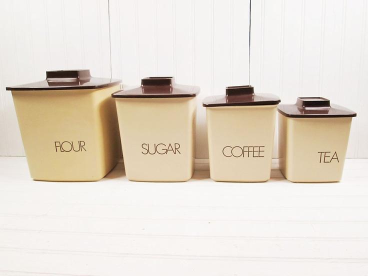 Vintage canister set plastic brown lid tan typographic for Plastic kitchen set