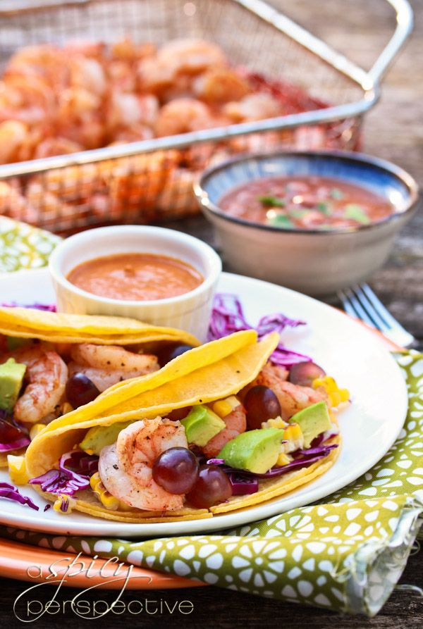 Shrimp Taco Recipe with Ranchero Sauce, Grilled Corn and Grapes | Rec ...