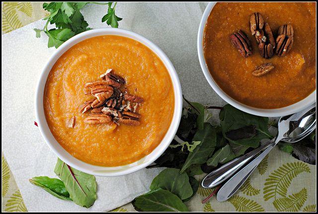 sweet potato, chipotle, and apple soup | om nom nom | Pinterest