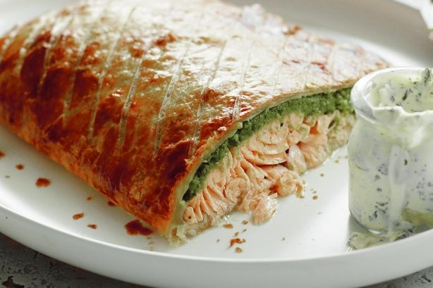 Salmon en croute with pea puree | Recipe