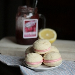 Raspberry Lemon Cream Cheese Whoopie Pies- soft, lemon vanilla bean ...