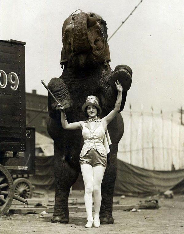 Circus Lady | Vintage Photography | Pinterest