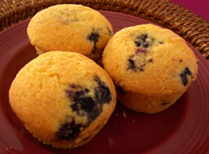 Blueberry cornmeal muffins | I MUST HAVE THIS | Pinterest