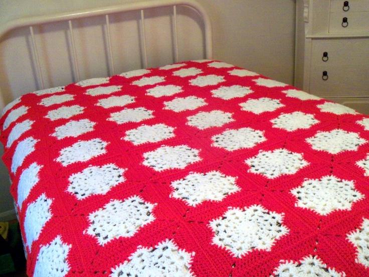 Crochet Pattern Snowflake Afghan : Snowflake square afghan (no pattern) Crochet afghans ...