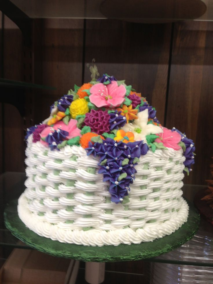 Basket Weaving A Cake : Basket weave cake food ideas