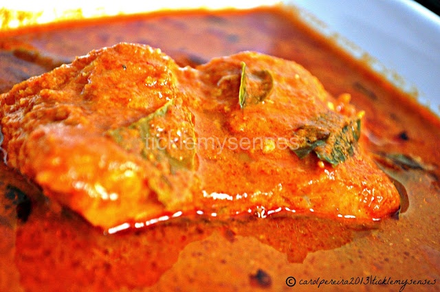 ... Hot and Sour Fish Curry without Coconut/ Amshi Tikshi Fish Curry