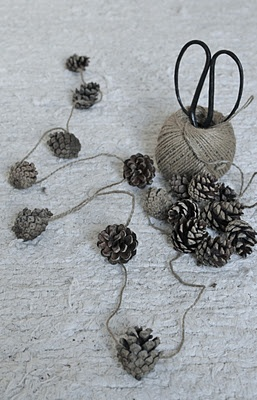 pinecone garland, doing this next year!!  :)