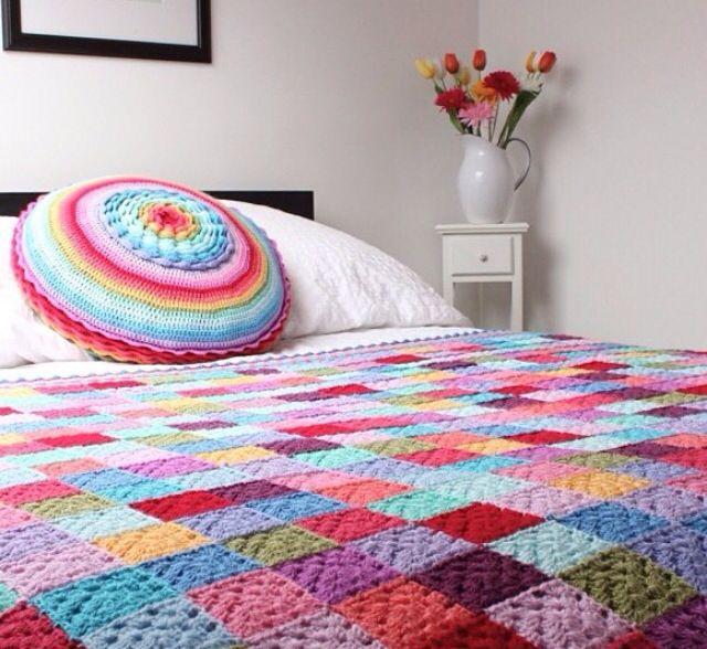 Multi Цветной Granny Square Вязание крючком и подушки Throw