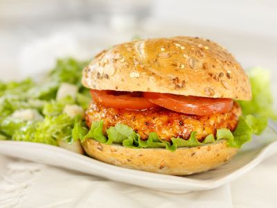 BBQ Chicken Burgers: 41 grams of protein (and only 262 calories)!