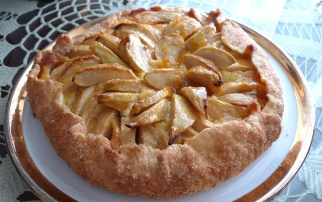 Apple Marzipan Galette | Pies | Pinterest