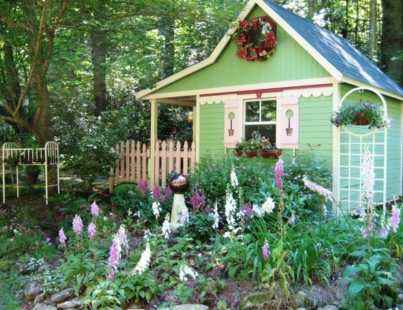 Potting shed aka crickhollow cottage garden pinterest - Cottage garden shed pictures ...