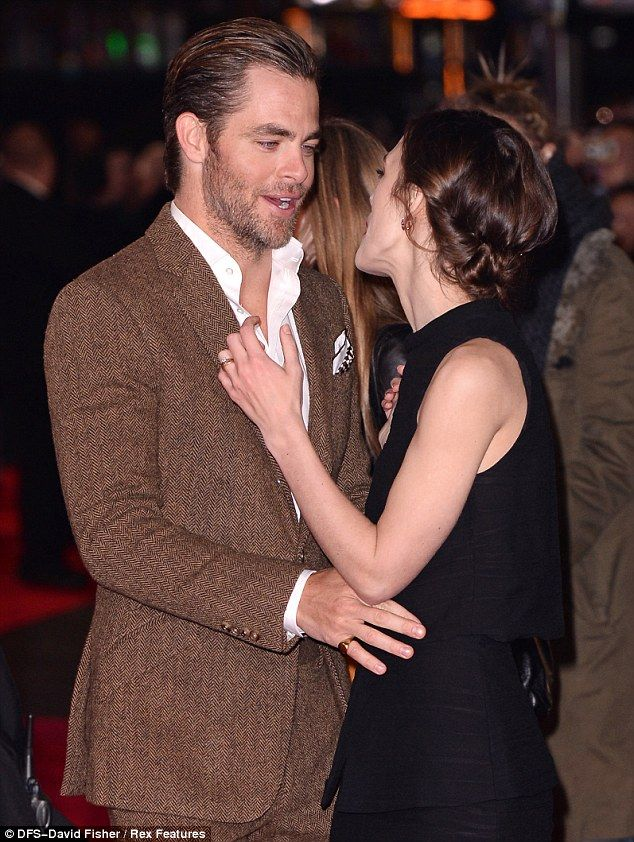Chris Pine  amp  Keira KnightleyChris Pine And Keira Knightley Interview