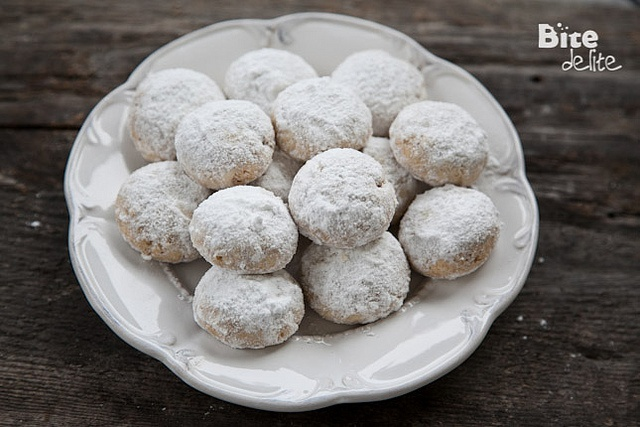 Walnut Snowball Cookies | Holiday Food & Treats | Pinterest