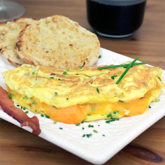 Bacon, Cheddar & Chives Omelette | Breakfast Recipes | Pinterest