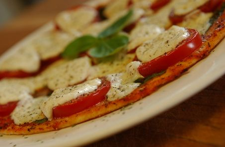 Lighten up -- Fresh Mozzarella, Basil and Plum Tomato Pizza | syracuse ...