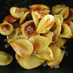 Acorn squash seeds are easier to eat than pumpkin seeds, and taste ...
