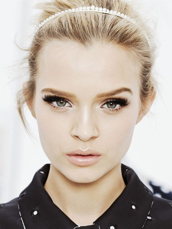 pretty make-up face