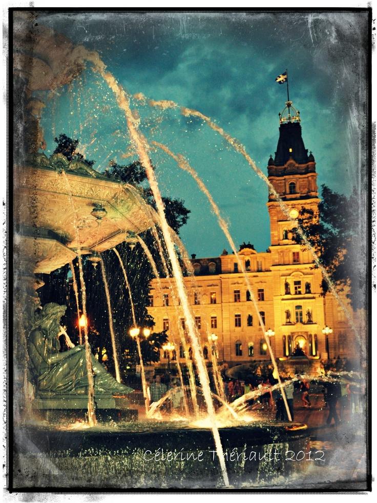 Cette fontaine est installée devant l'Assemblée nationale ...