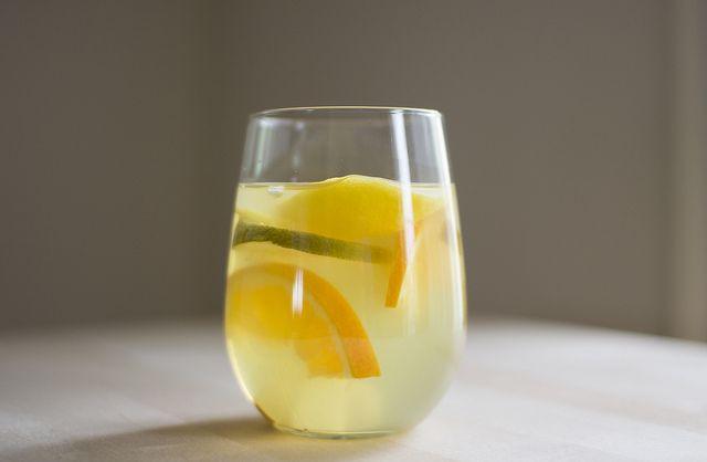 White citrus sangria | Desserts & Drinks | Pinterest