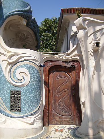 This is the alley side of a house in Beverly Hills.  The front of the house was traditional, and this was created to house the now deceased owner's collection of art nouveau.