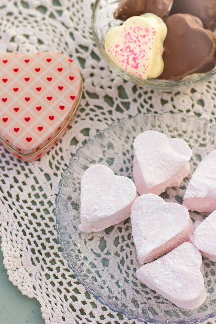 Homemade Strawberry Marshmallows | holiday foods | Pinterest