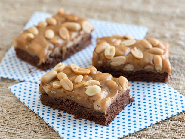 Chocolate and Caramel Peanut Cookie Bars | Recipe