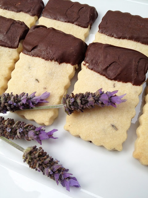 Lavender Shortbread Cookies. So lovely and delicate- makes me want a ...