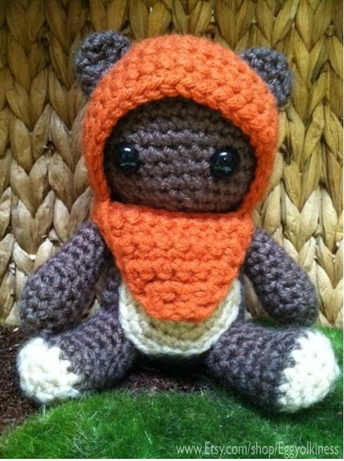 Ewok Crochet Amigurumi : Crochet Wicket the Ewok Star Wars Amigurumi