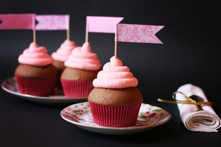 Chocolate Cupcakes and Strawberry Marshmallow Frosting