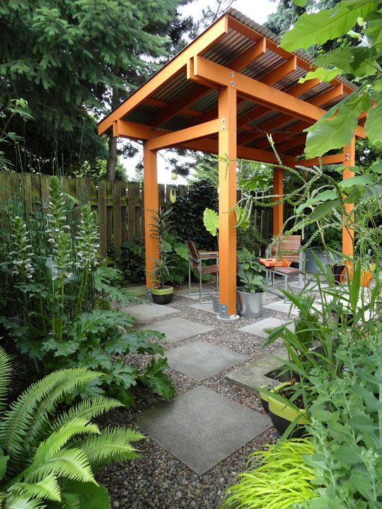 Loree's Dangerously Beautiful Garden Garden Tour