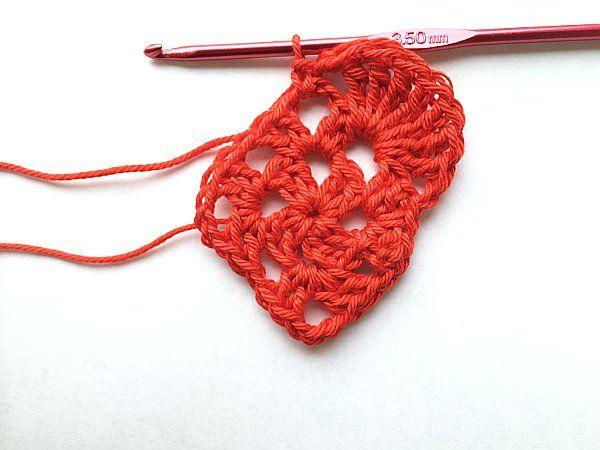 Crochet Tutorial Heart : Crochet Heart Tutorial PatternPiper Crochet