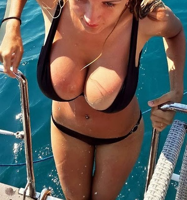 Cute Women in Revealing Outfits! Fark cleavage page 1
