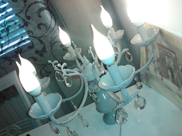 lampadario antico : Trasformare lantico lampadario della nonna in una Lampada da tavolo ...